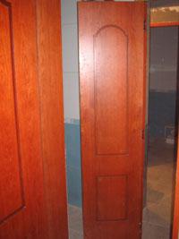 Врата тип хармоника от естествен фурнир, фрезована