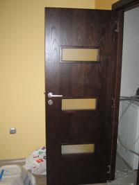 Врата за дома с остъкление