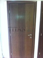 Вертикално фрезована интериорна врата за офис
