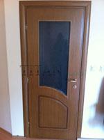 Врата от фурир - фрезована, остъклена и лакирана