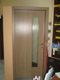 Чешка луксозна врата в цвят румънска череша