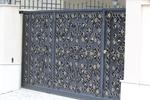 плътни порти от ковано желязо