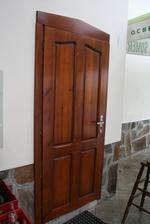 дървени врати