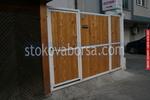 дървена порта с едно крило