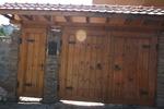 плътна дървена порта