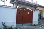 плътна дървена порта по поръчка