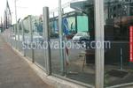 изработване на ограда от стъкло за авто къща по поръчка