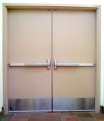 Метална врата за цех