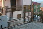 Пързалящи портални врати с и без релси по проект
