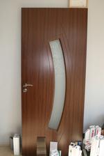 Интериорна врата покрита с естествен фурнир