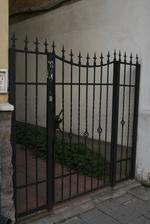 Порти от ковано желязо с едно крило