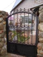 изработка на портални врати от ковано желязо с едно крило