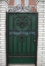 портални врати от ковано желязо с едно крило